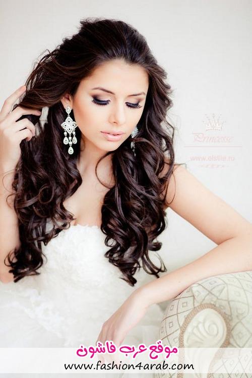 Любой наш свадебный стилист создаст красивую изящную прическу любой сложности на любой длине волос.