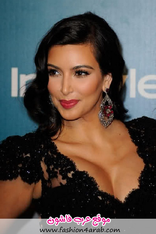 kim-kardashian-2012-golden-globe-awards-black-dress-4