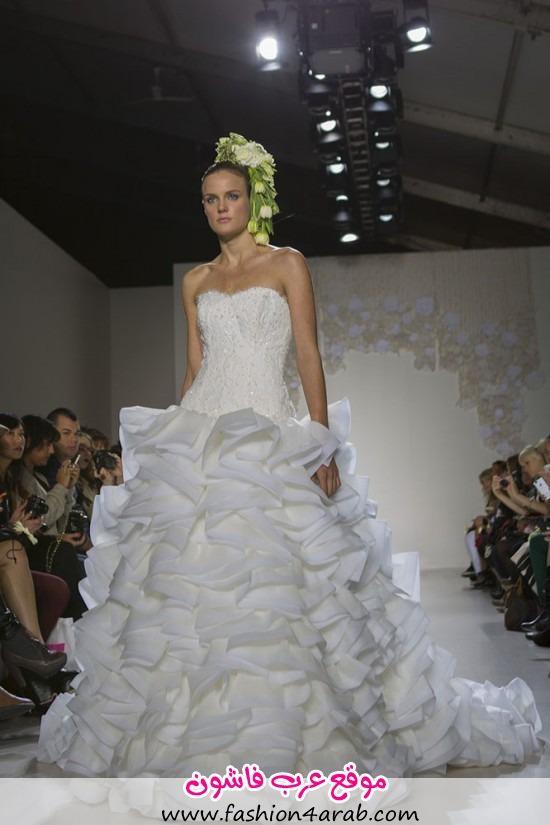 Paraezo-Wedding-Gown005-550x825