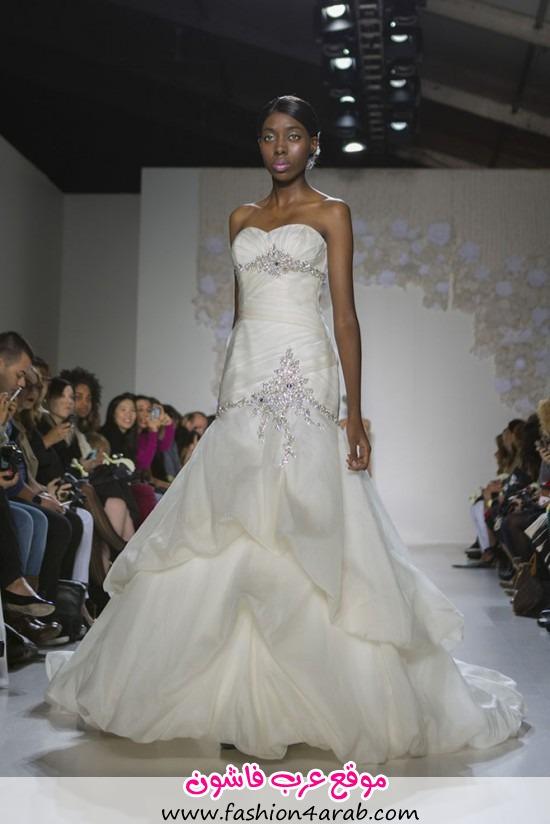 Paraezo-Wedding-Gown008-550x824