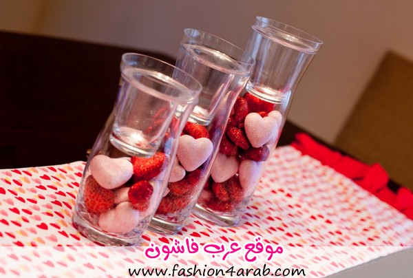 Valentines-Table-Decoration-with-Love-Patterned-Table-and-Candy-Love-in-Glass