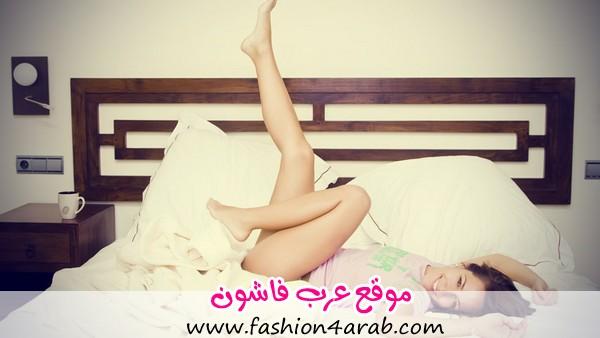 Young-beautiful-woman-enjoying-her-waking-up