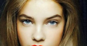 Barbara-Palvin-wearing-orange-lipstick