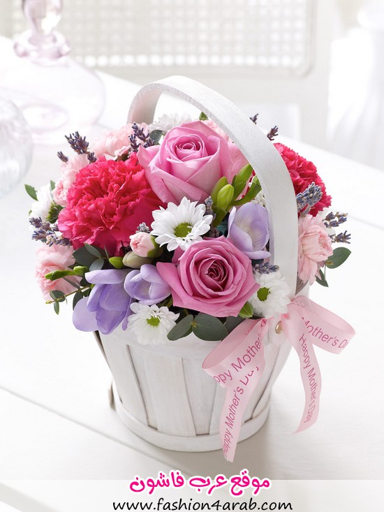 petite-mothers-day-basket-flowers