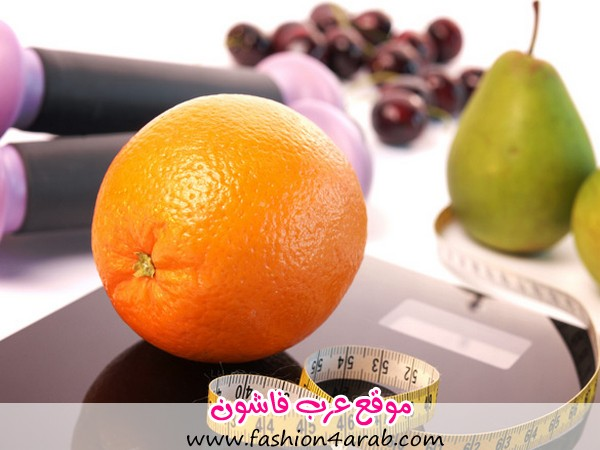 Orange-on-a-scale-with-fresh-fruits
