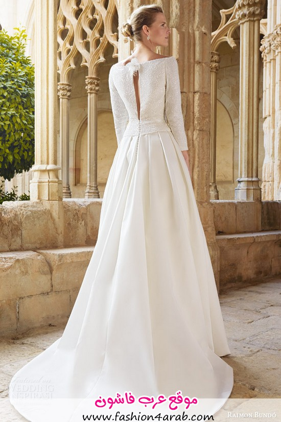 raimon-bundo-bridal-2015-maxim-long-sleeve-bateau-neckline-wedding-dress-pleated-skirt-keyhole-back-view