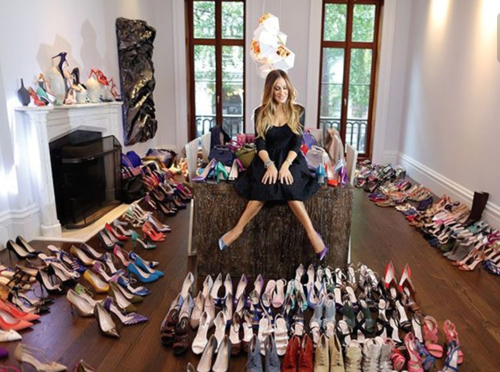 أحذية مهمة في دولاب كل بنت