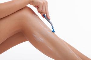 shaving-legs-small-1024x683